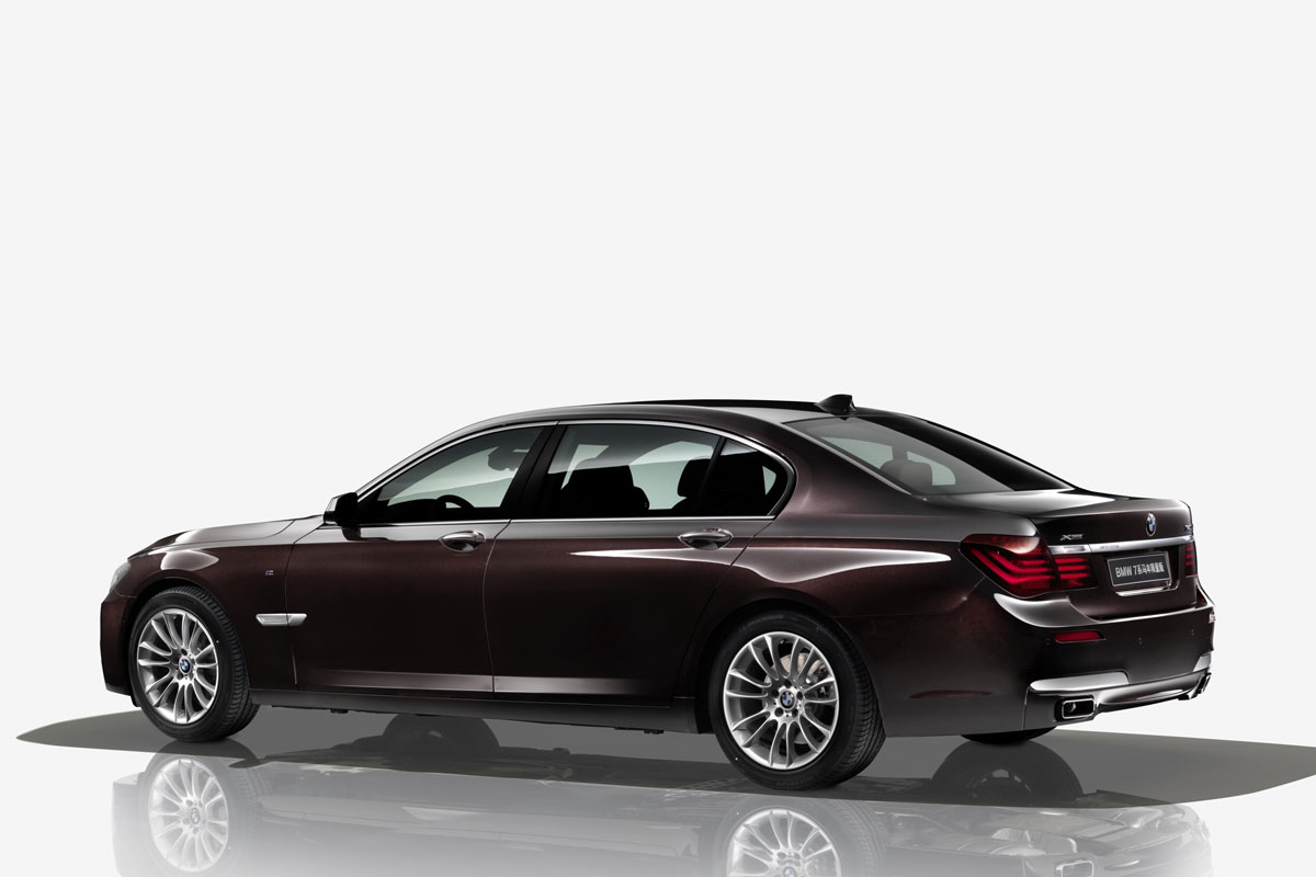 BMW 7-serie lang horse edition x-drive 2014 01