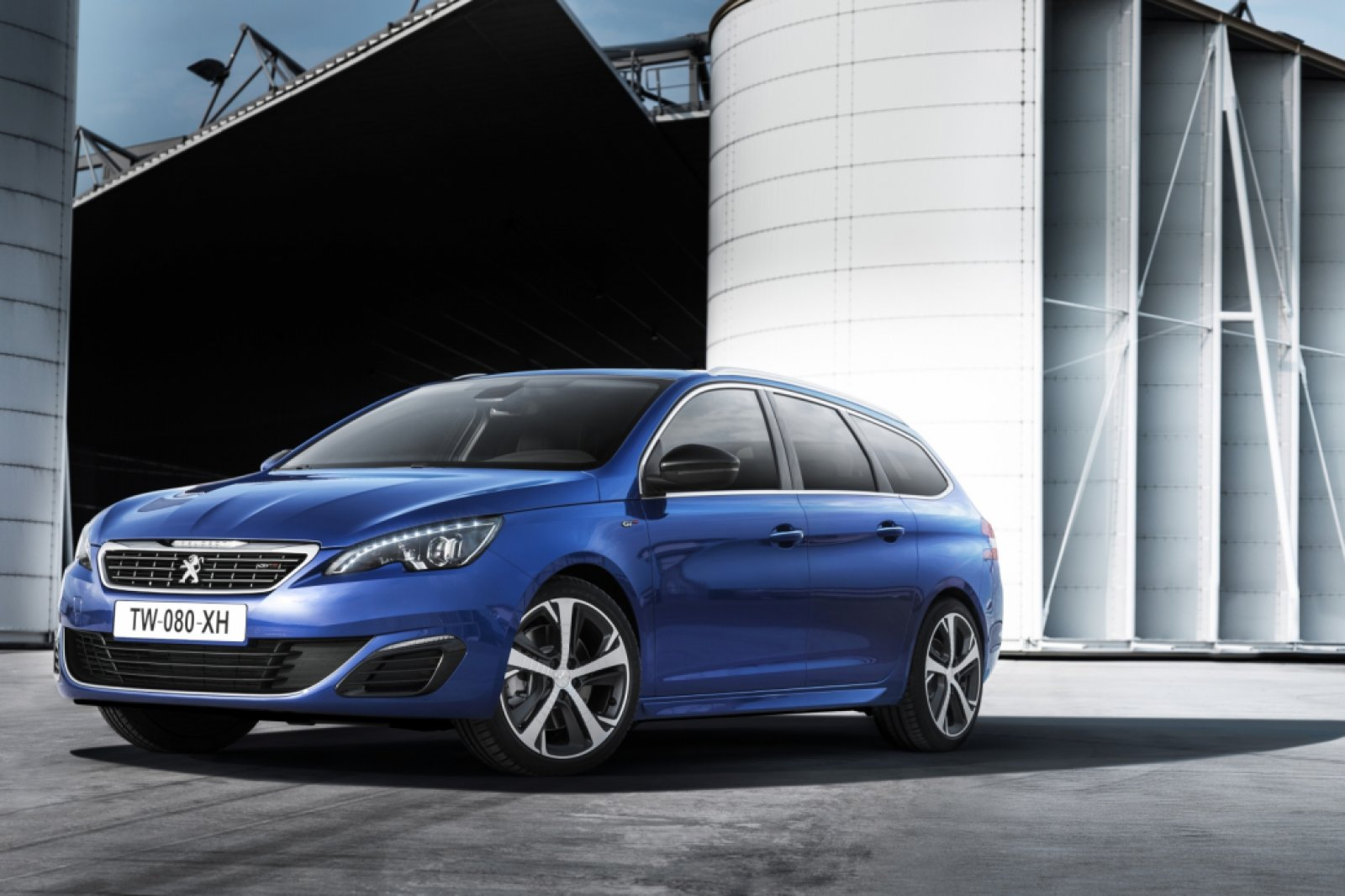 peugeot 308 gt leverbaar als benzine of diesel drivessential. Black Bedroom Furniture Sets. Home Design Ideas
