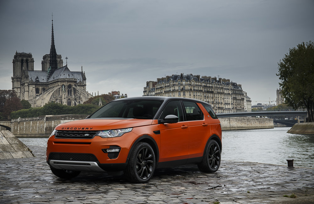 Land Rover Discovery oranje 2015 01