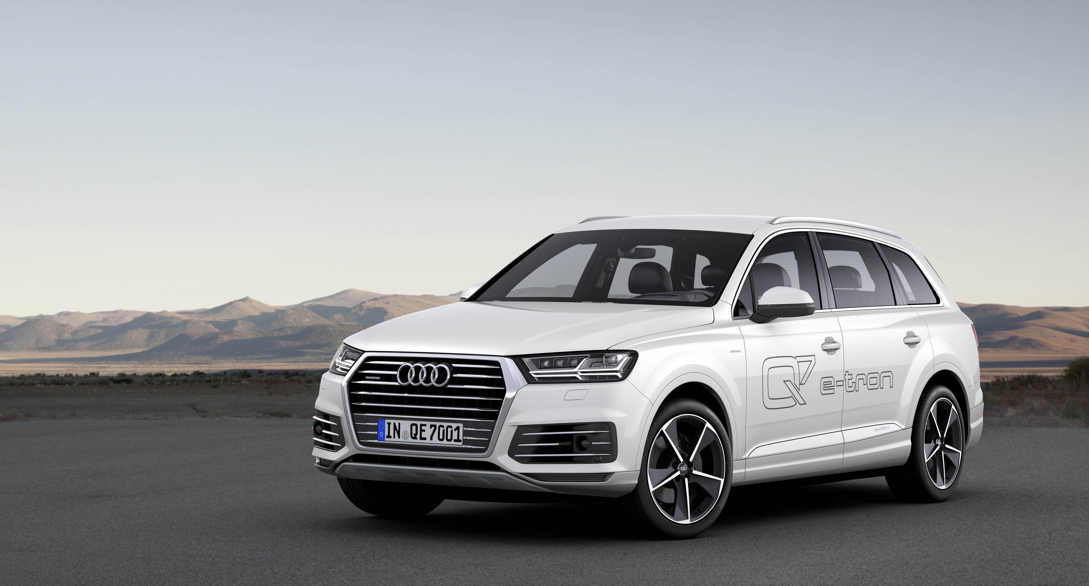 audi q7 e tron quattro 39 s werelds eerste plug in hybride met zescilinder diesel drivessential. Black Bedroom Furniture Sets. Home Design Ideas