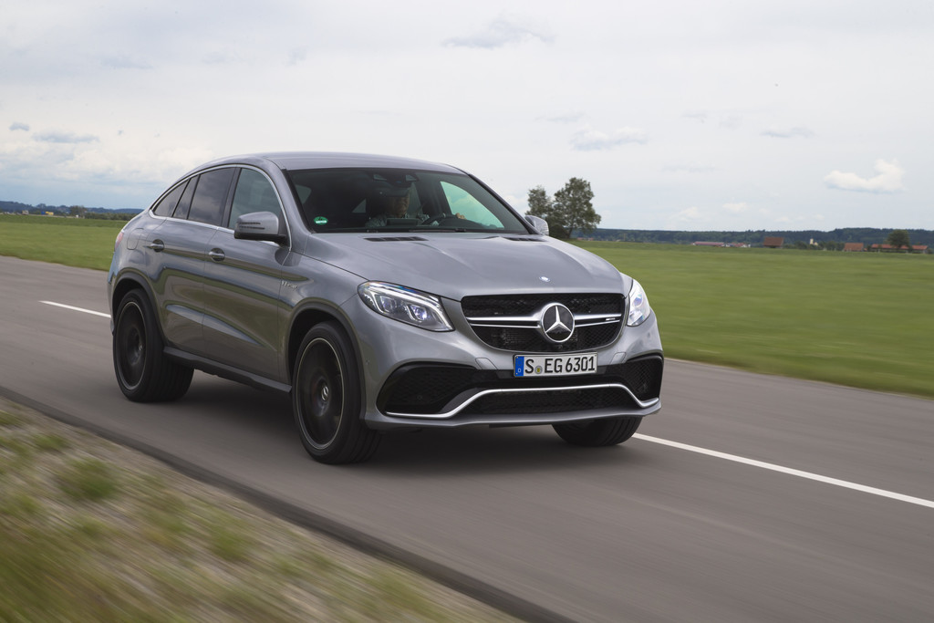 mercedes amg gle 63s coup op video gle op foto drivessential. Black Bedroom Furniture Sets. Home Design Ideas