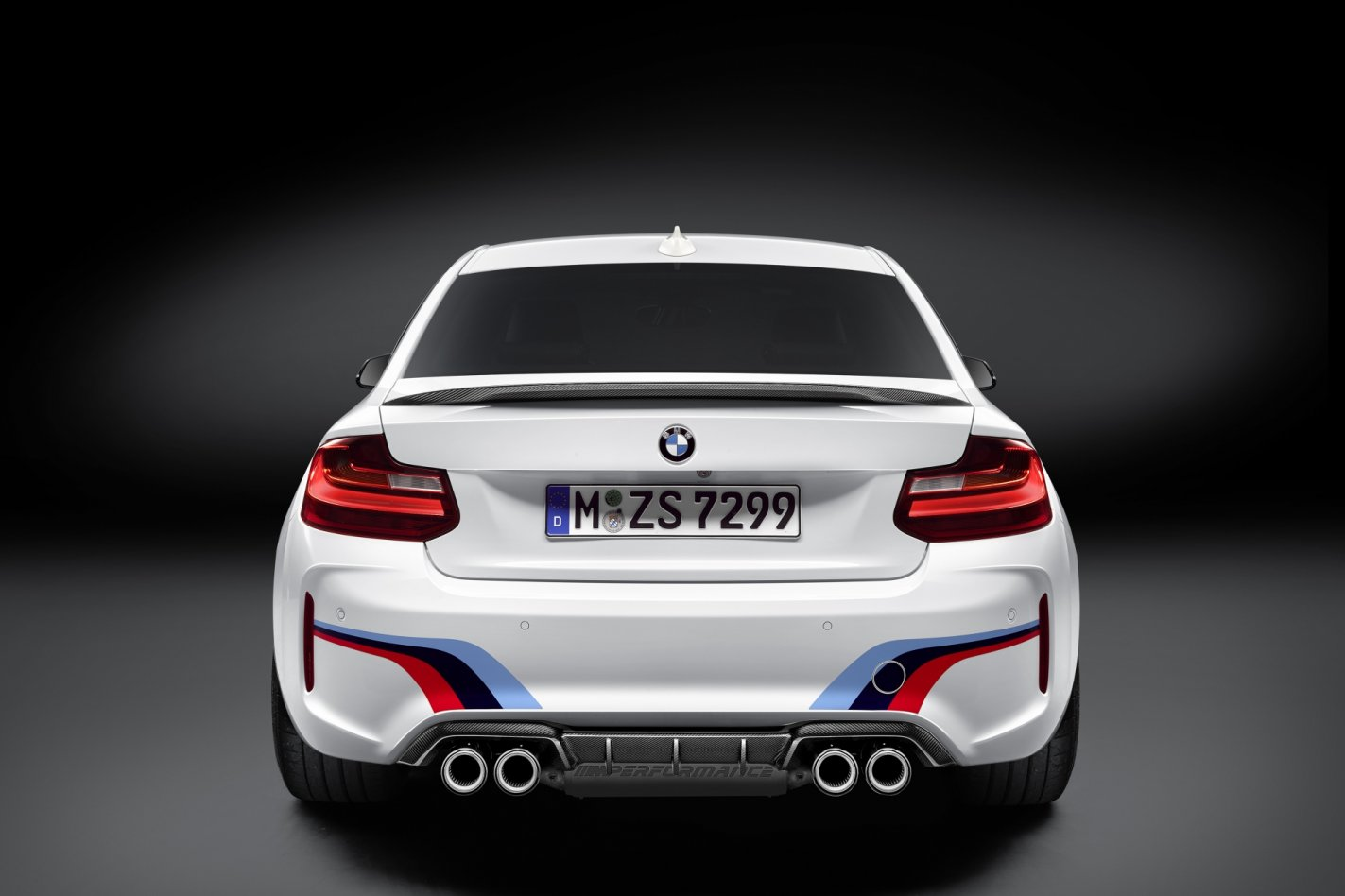 BMW M2 M-Performance parts goodies wit blauw rood 2017 02
