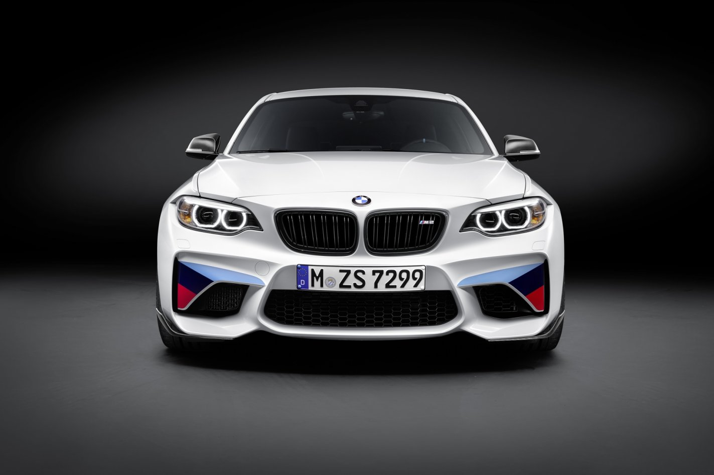 BMW M2 M-Performance parts goodies wit blauw rood 2017 12