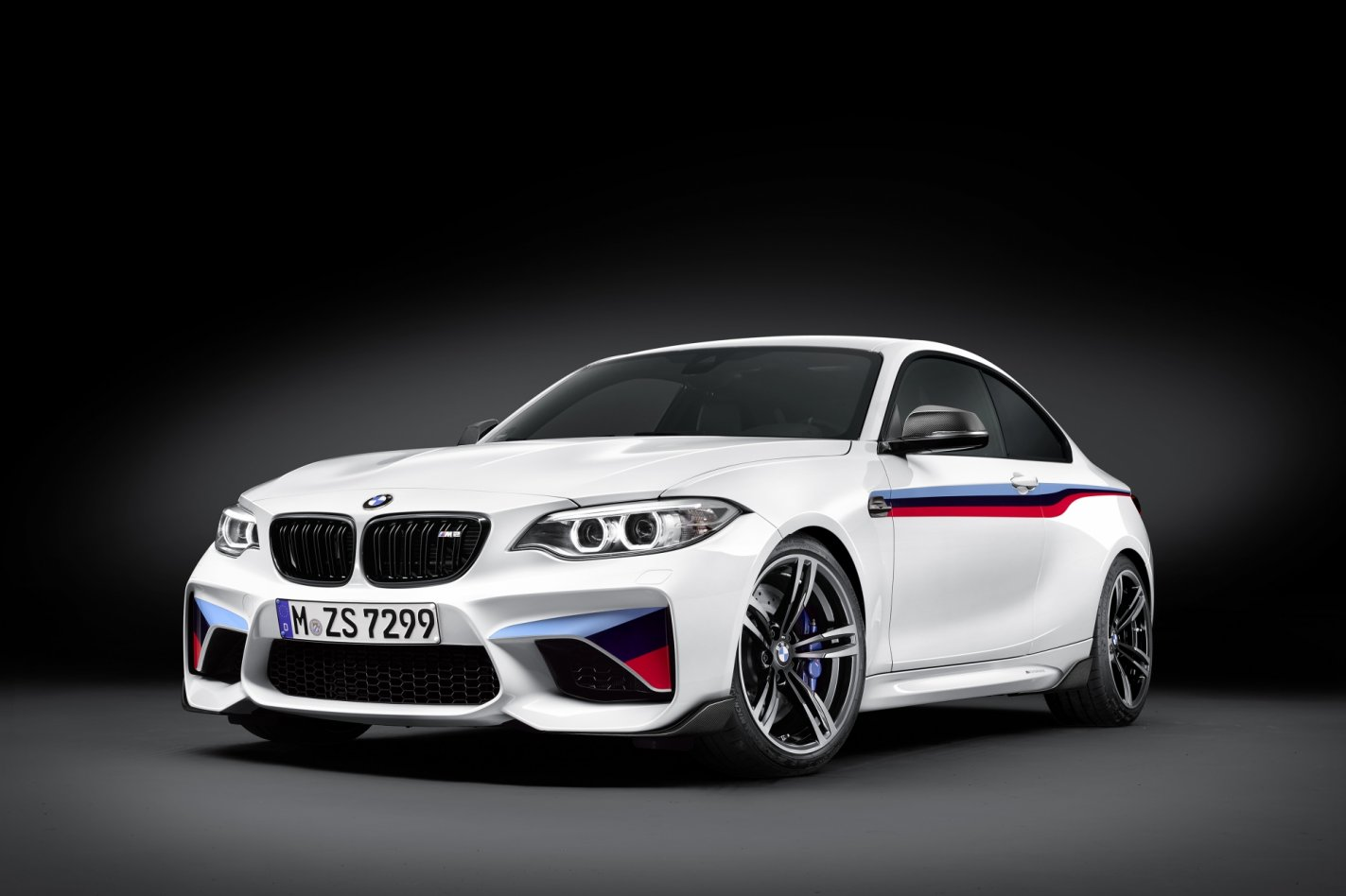 BMW M2 M-Performance parts goodies wit blauw rood 2017 14