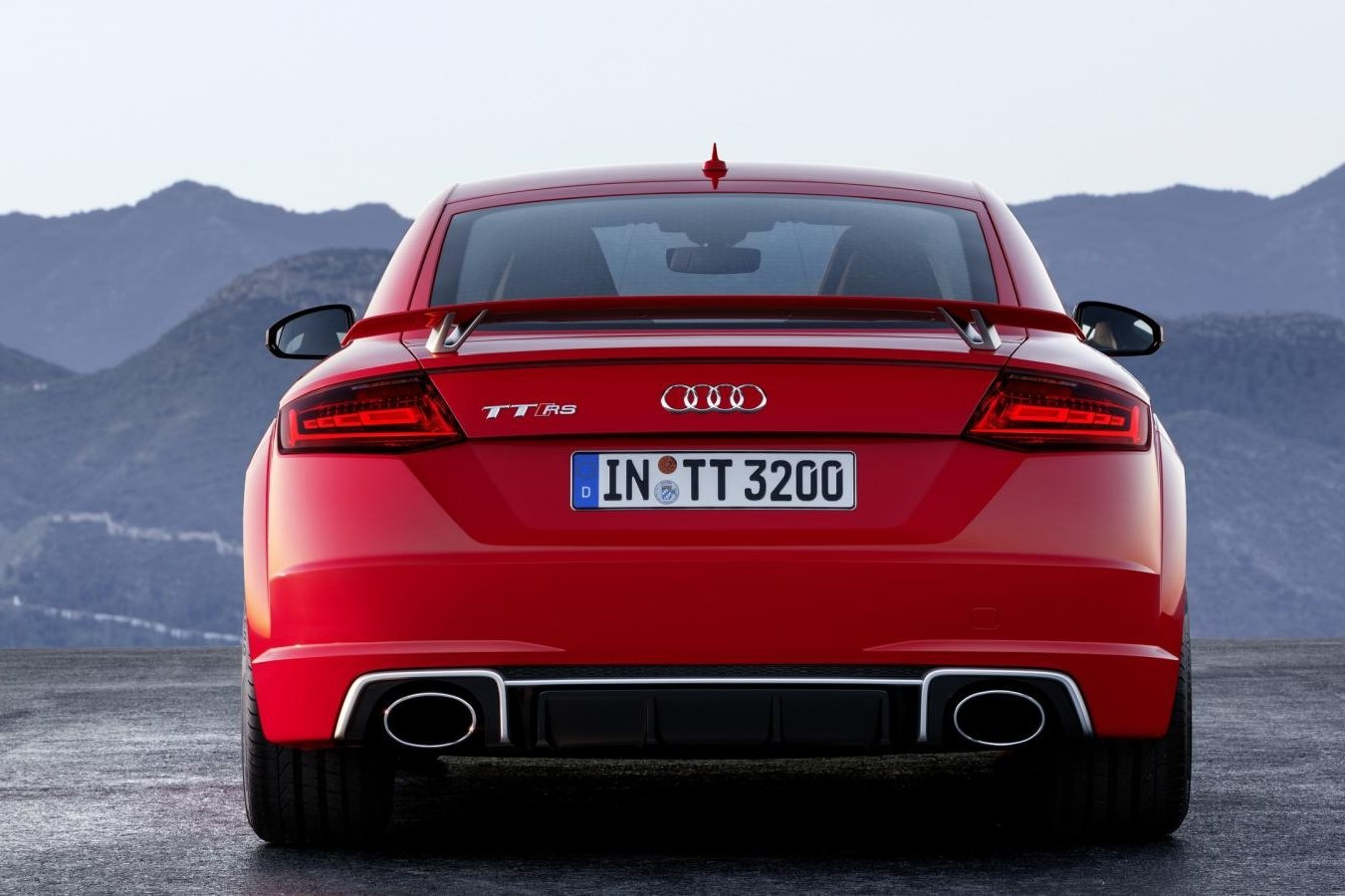 Audi TT RS Quattro Coupe Roadster rood geel 2017 10
