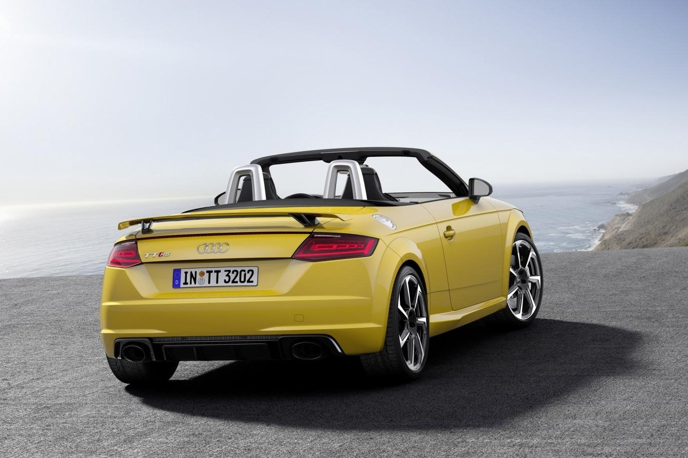 Audi TT RS Quattro Coupe Roadster rood geel 2017 23