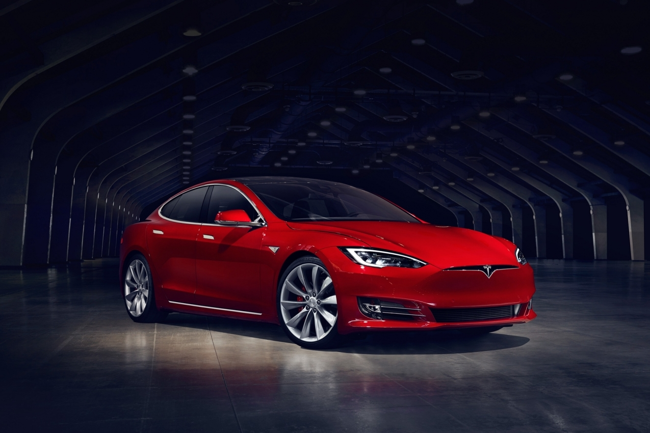 Tesla Model S facelift update rood wit 2017 02