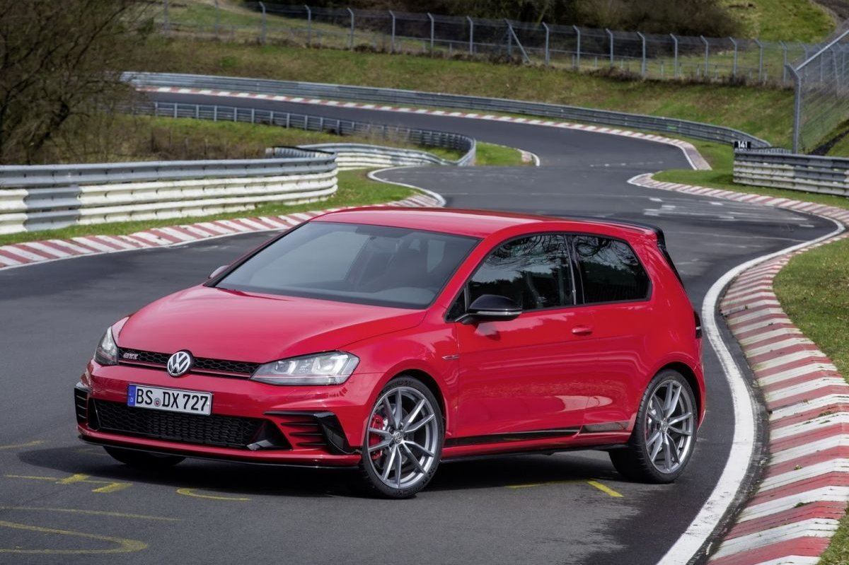 Volkswagen Golf GTI Clubsport S Nuerburgring record 2016 2017 04
