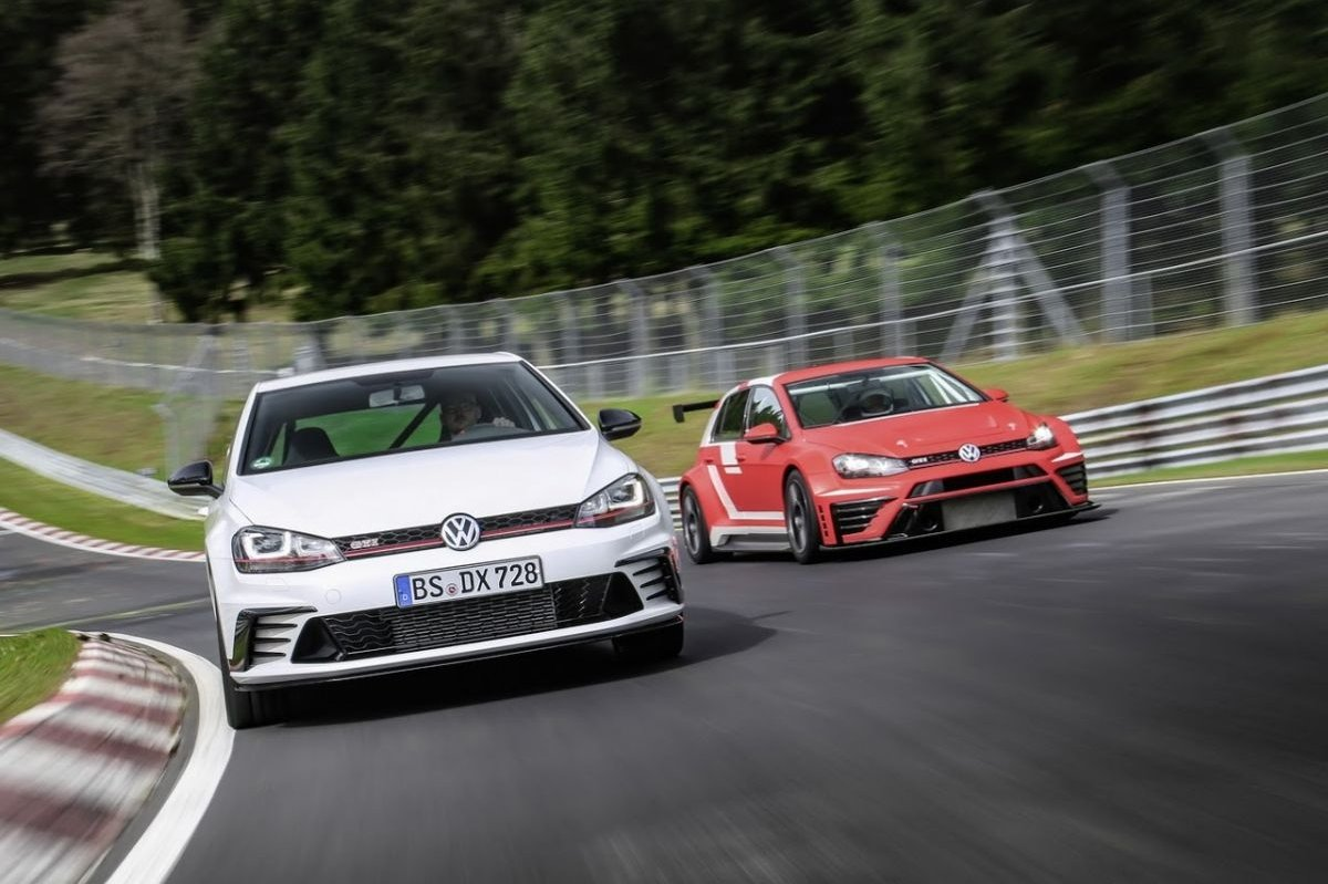 Volkswagen Golf GTI Clubsport S Nuerburgring record 2016 2017 11