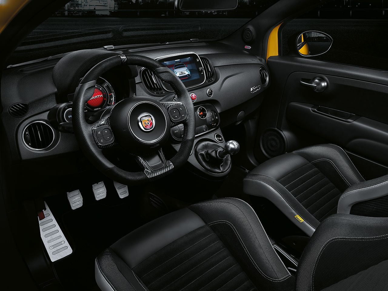 Fiat 500 Abarth 595 geel facelift 2017 03