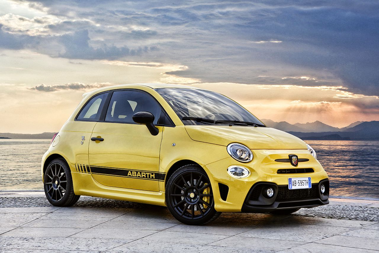 Fiat 500 Abarth 595 geel facelift 2017 19