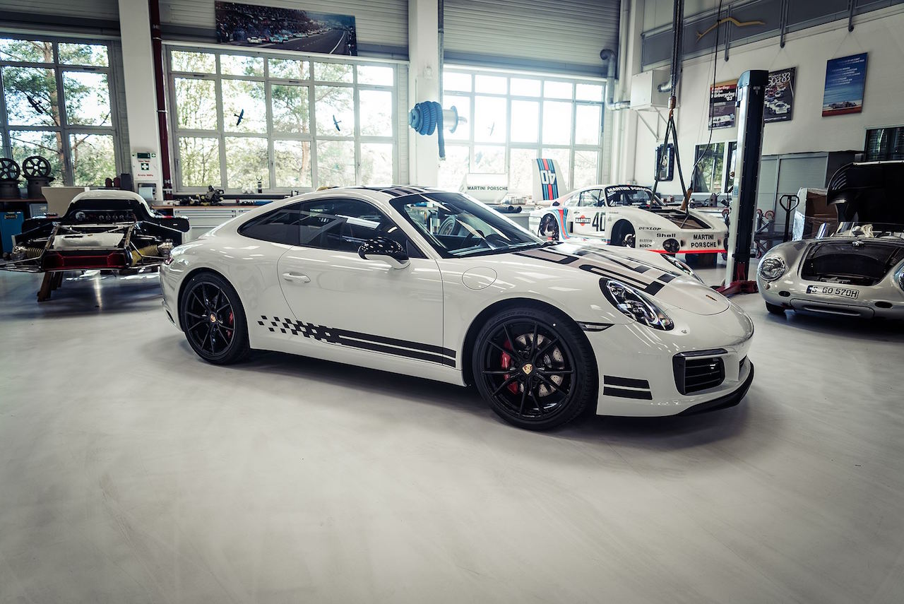 Porsche 911 991.2 Carrera Endurance Racing Edition Le Mans Intelligent Performance 07