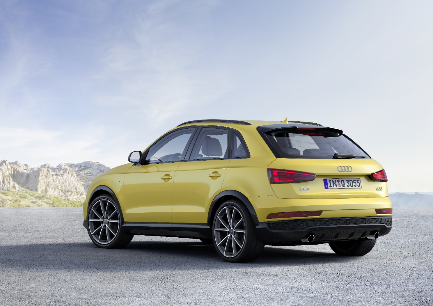 Audi Q3 2.0 TFSI Static photo, Colour: Tukan Yellow