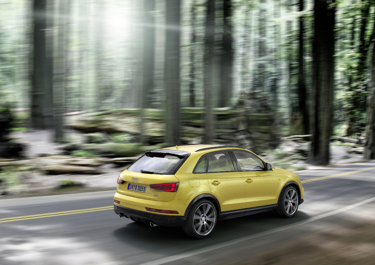 Audi Q3 2.0 TFSI Dynamic photo, Colour: Tukan Yellow