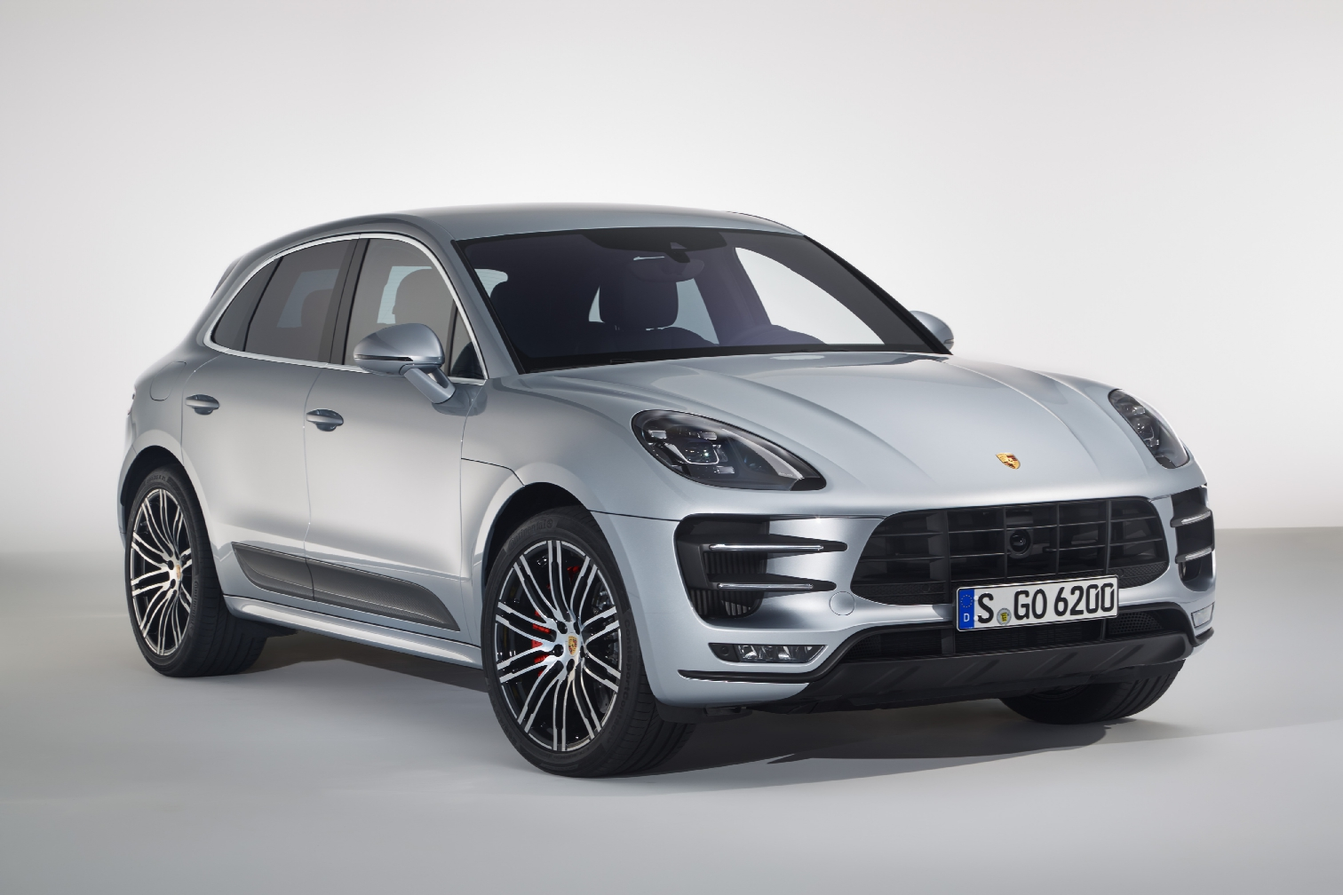 Porsche Macan Turbo Exclusive Performance Package zilver grijs 2017 02