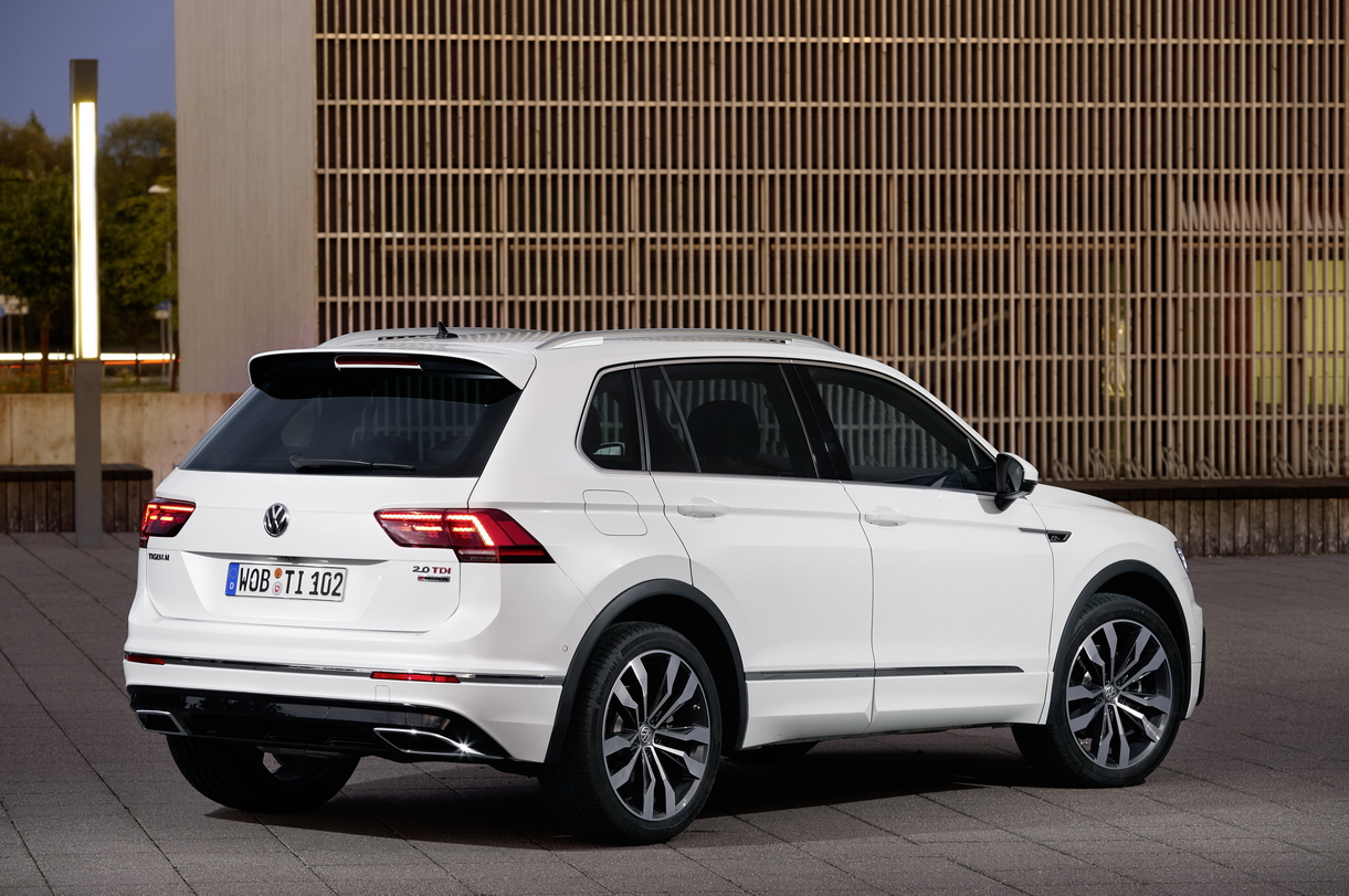 volkswagen presenteert topuitvoeringen van tiguan inclusief r line drivessential. Black Bedroom Furniture Sets. Home Design Ideas