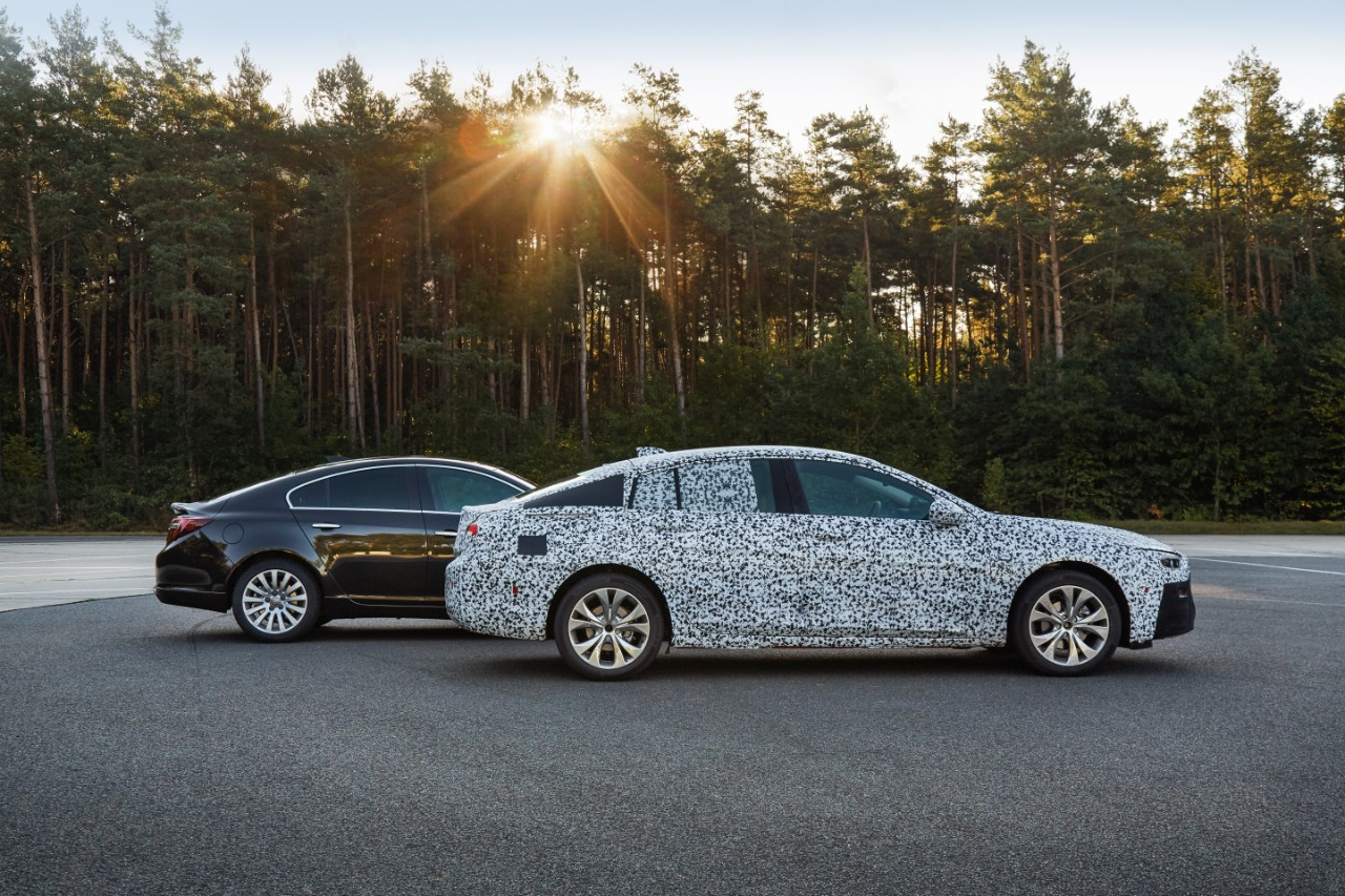 opel-insignia-grand-sport-2017-camouflage-00