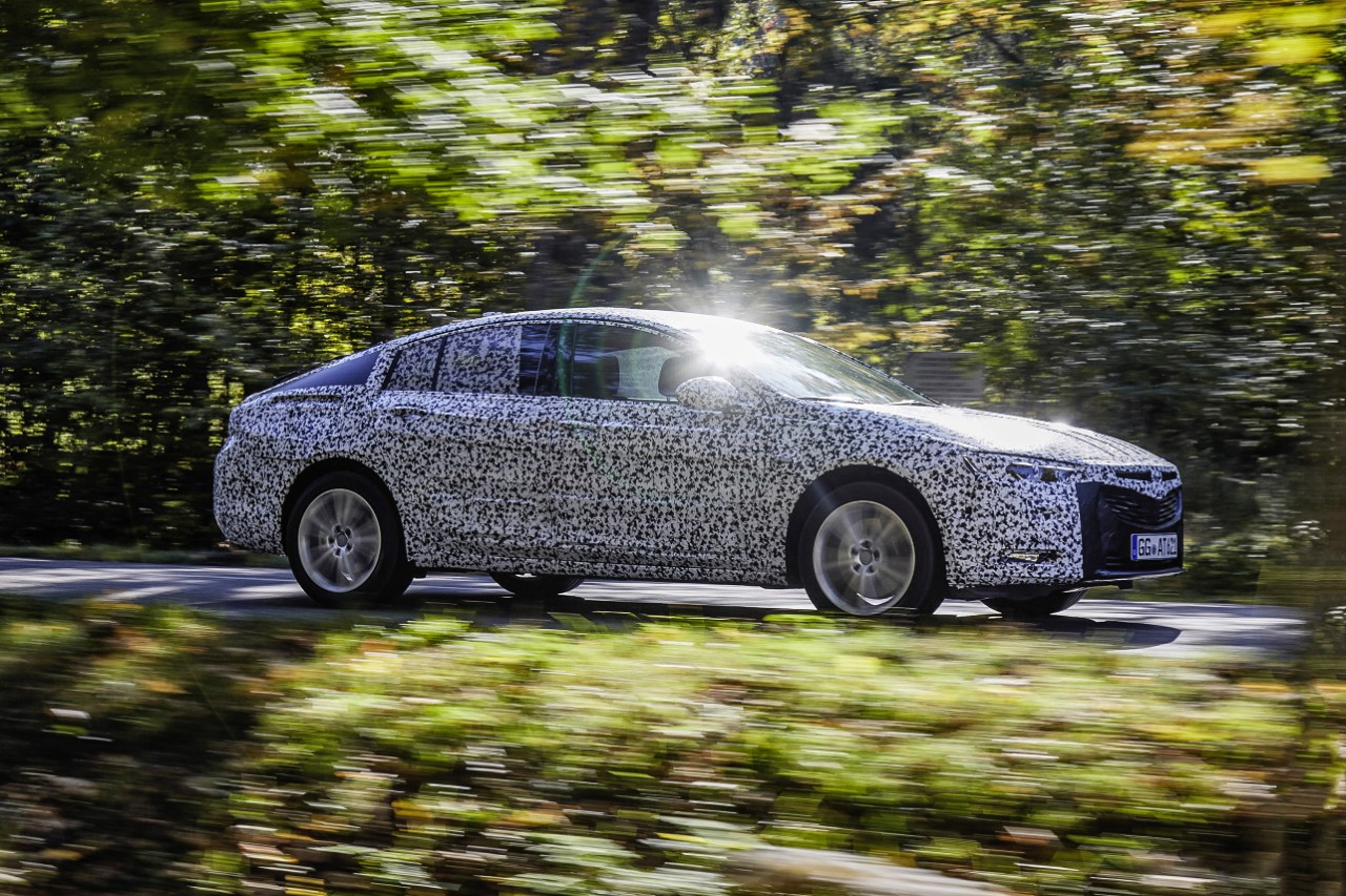 opel-insignia-grand-sport-2017-camouflage-01