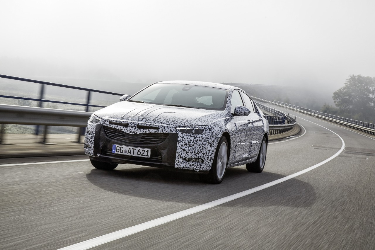 opel-insignia-grand-sport-2017-camouflage-03