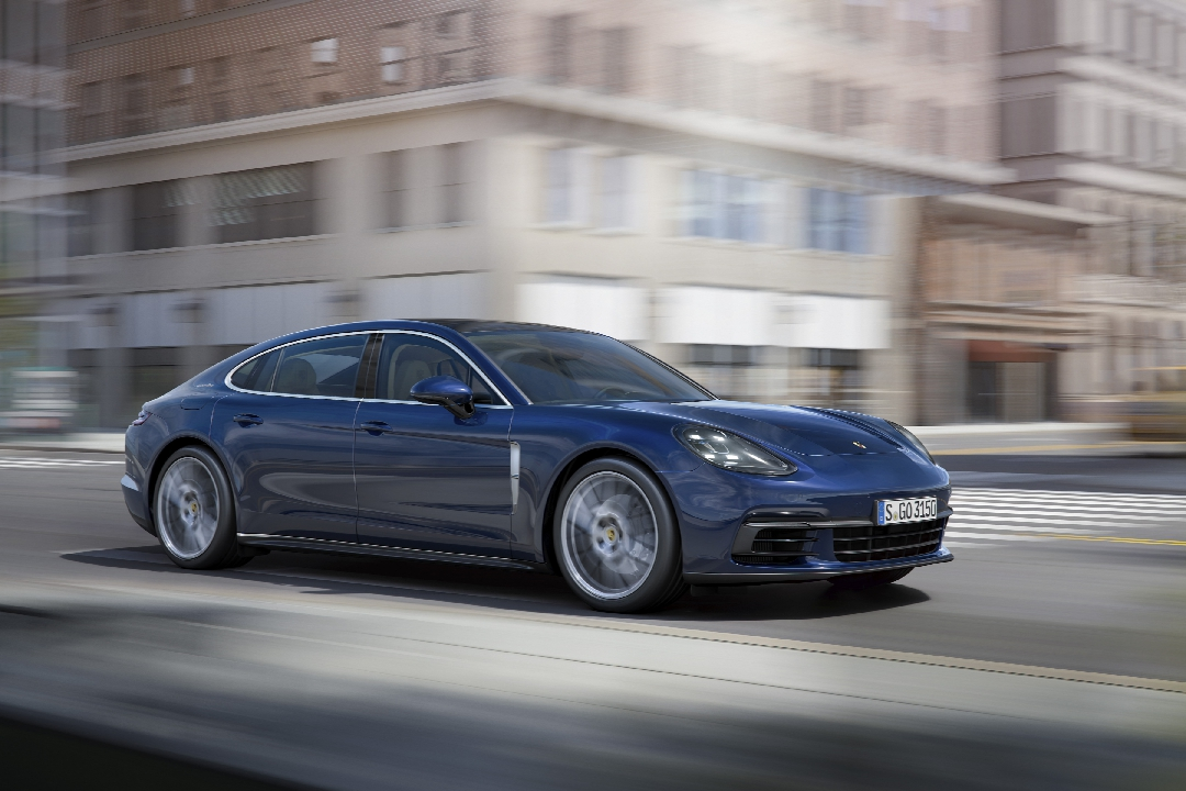 porsche-panamera-2-turbo-4s-executive-hybride-06