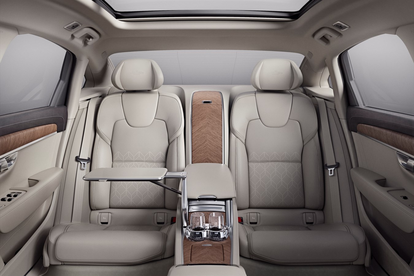 volvo-s90-excellence-lounge-interieur-2017-05