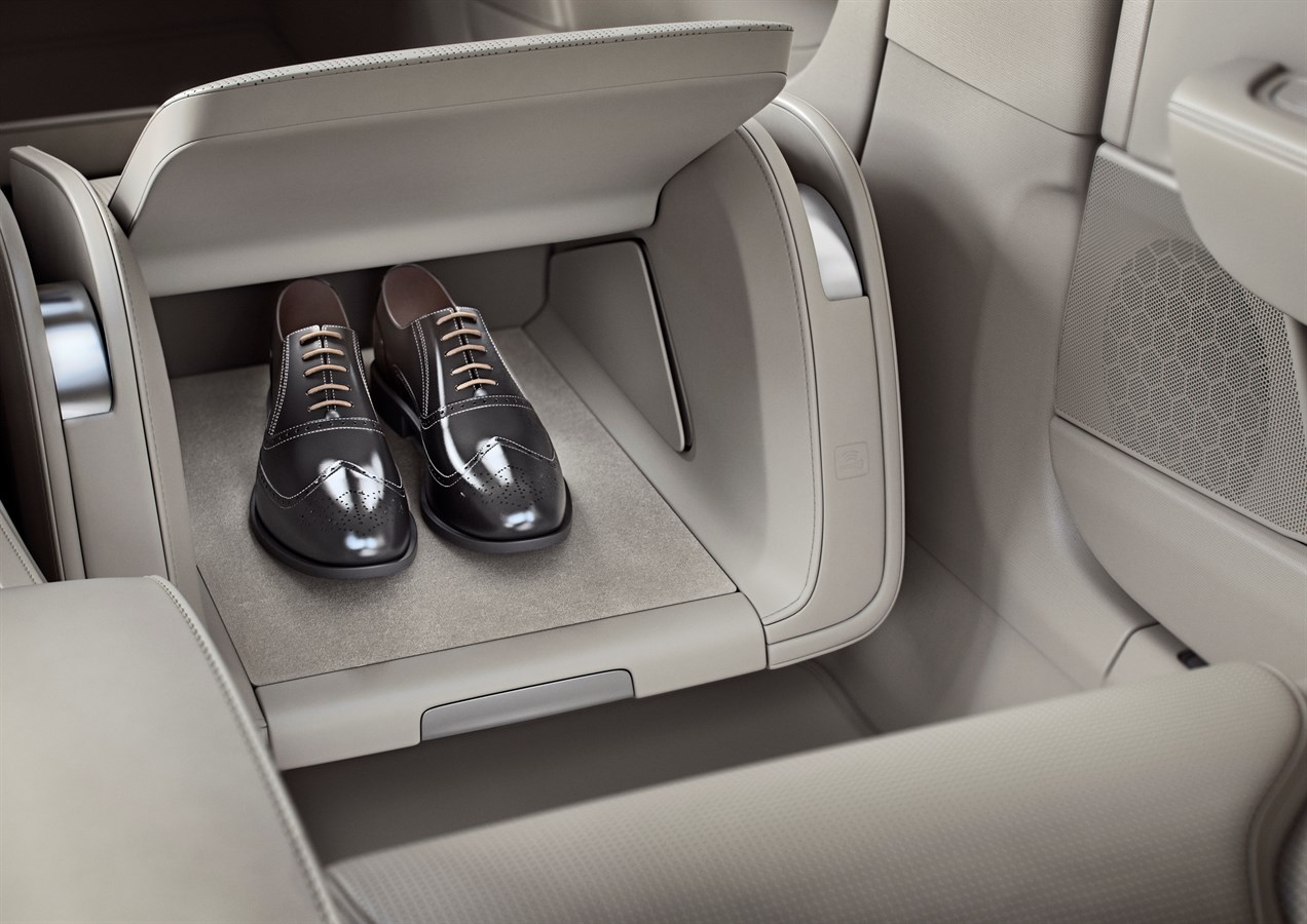 volvo-s90-excellence-lounge-interieur-2017-07